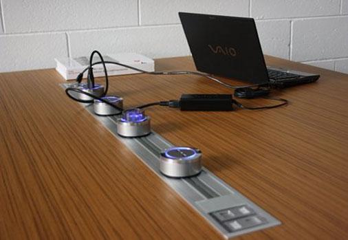 Profili elettrificati in sala conferenze
